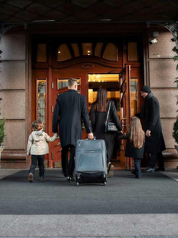 hotel-entrance-iStock-1212703257-600x800