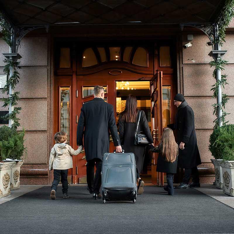 hotel-entrance-iStock-1212703257-800x800