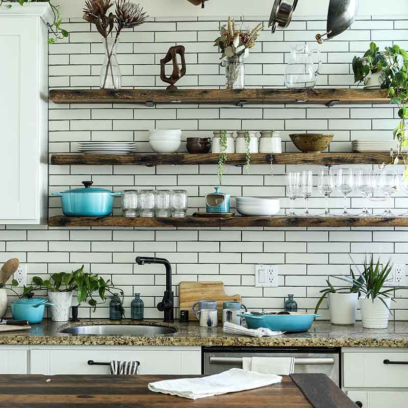 kitchen-edgar-castrejon-CX8ooha2yLA-unsplash-800x800
